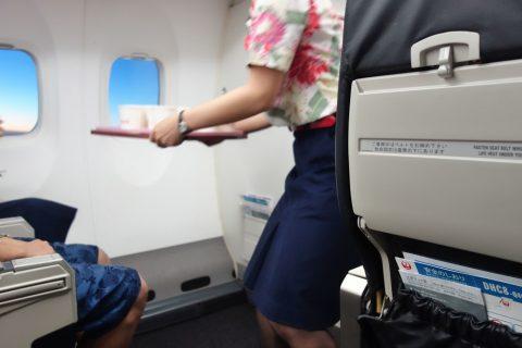 琉球エアコミューターRAC/DHC8-Q400CCのドリンクサービス