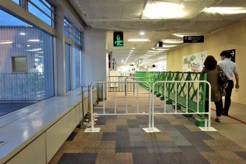 福岡空港工事中の出発ロビー