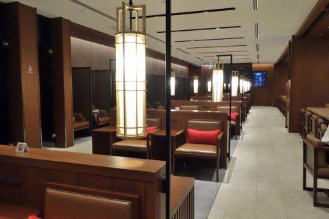 福岡空港サクララウンジのリビングスペース
