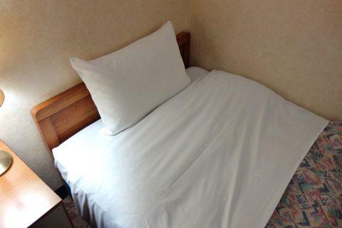 ホテル共和エコノミーツインのベッドのスプリング