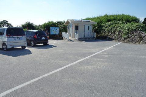 池間島フナクス駐車場のトイレ