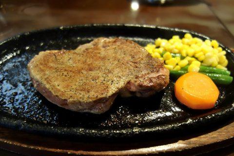 宮古島の喫茶店レオンの宮古牛ステーキ5000円