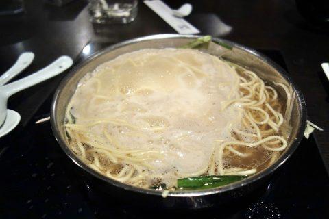 博多もつ鍋のやま中赤坂店のちゃんぽん麺