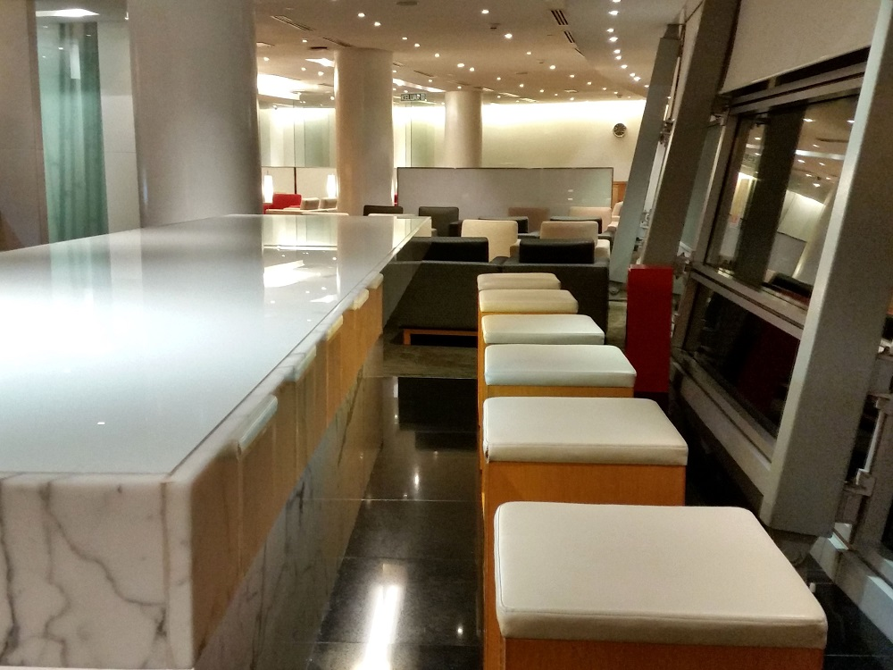 CATHAY-PACIFIC-First-and-Business-Class-Lounge (8)