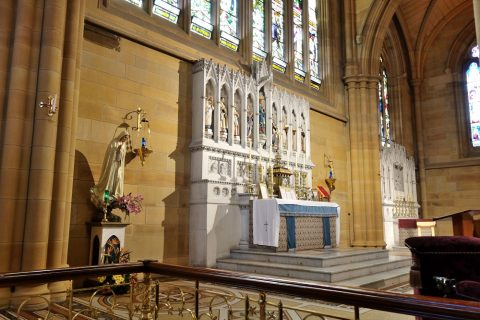 St-Marys大聖堂の銅像