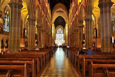St-Marys大聖堂の長さは107メートル