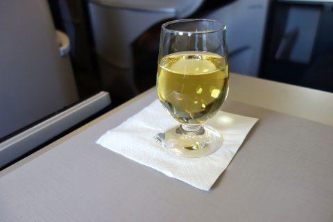 マレーシア航空a330ビジネスクラスのウェルカムドリンク