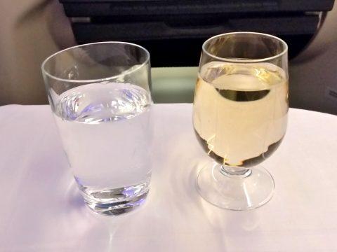 マレーシア航空ビジネスクラスA330シドニー行きのシャンパン