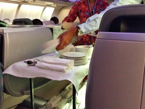 マレーシア航空ビジネスクラスA330シドニー行きのワゴンサービス