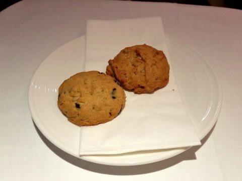 マレーシア航空ビジネスクラスA330シドニー行きのクッキー