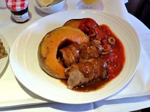 マレーシア航空ビジネスクラス機内食Oven Baked-Lamb-Loin-with-Pumpkin