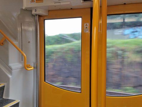 シドニー電車の車内