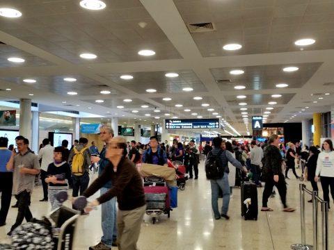 シドニー国際空港到着ロビー