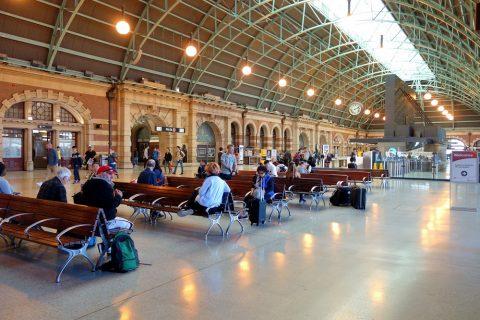 sydney-central駅の待合所
