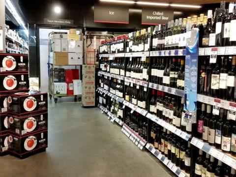 シドニーのスーパーColesでワイン探し