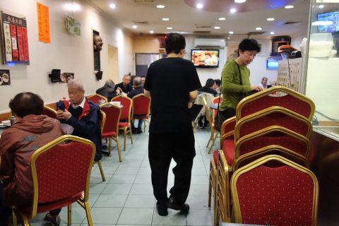 シドニー・チャイニーズレストランSuper-Bowl店内の空席