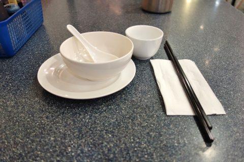 シドニー・チャイニーズレストランSuper-Bowl箸と取り皿