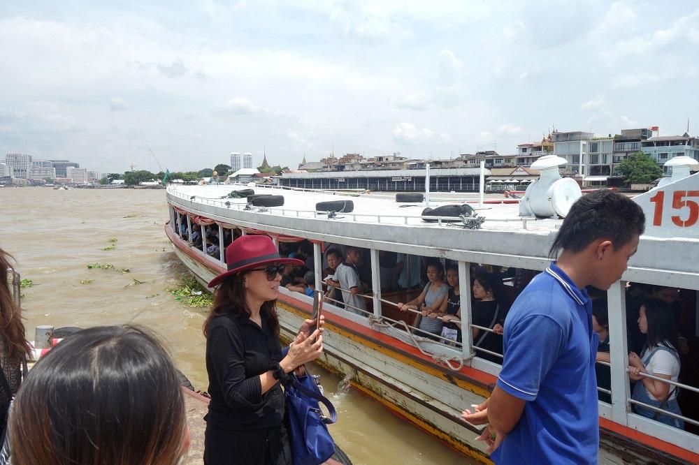 Chaophraya-express-boat (20)