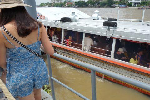 チャオプラヤー・エクスプレスボートは古い