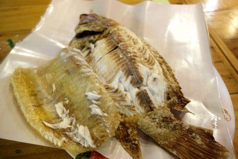 バンコクの屋台で食べるプラーニン