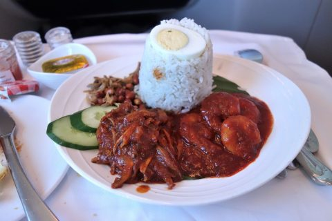 マレーシア航空ビジネスクラスNasi-Lemak-with-Prawn-Sambal-and-Ikan-Bilis-Sambal
