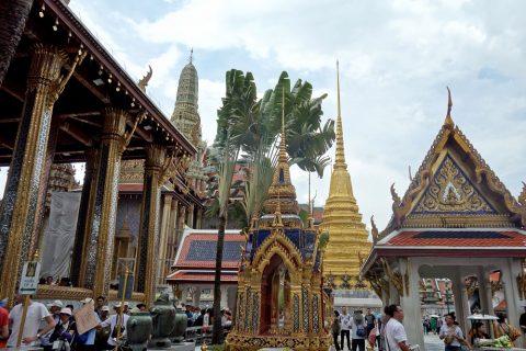ワットプラケオの寺院群