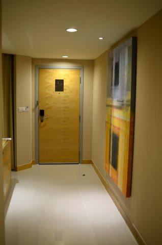 DoubleTree-by-Hilton-Kuala-Lumpur部屋の入口