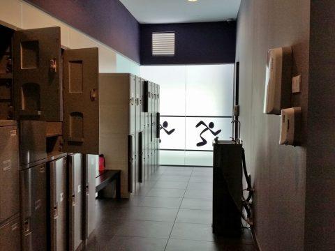 クアラルンプールのエニタイムフィットネスのロッカールーム
