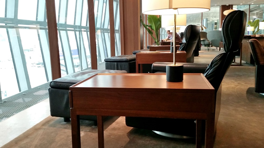 cathay-pacific-lounge-bangkok (16)