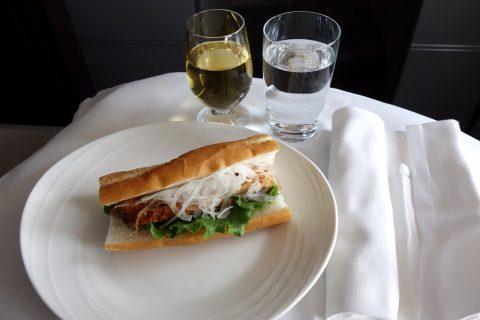 マレーシア航空ビジネスクラス「Chicken Tandoori Baguette」