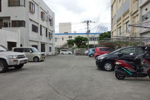 いしぐふー港町店の駐車場