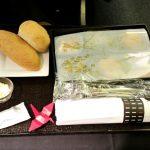 機内食がヒドイ!JALビジネスクラスBKK~HNDシェルフラットシート
