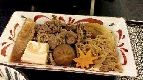 JALビジネスクラス機内食の牛すき焼き