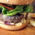 味は値段相応?PAVILIONにあるメキシカンな店【LA BOCA LATINO BAR】のハンバーガー