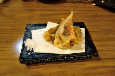 那覇の大衆居酒屋ヤンバルクイナのグルクンの天ぷら