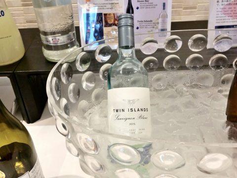 バンコク・サクララウンジの白ワイン「ツイン・アイランズ・ソーヴィニヨンブラン」