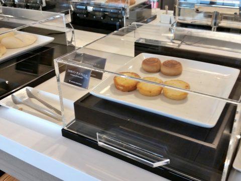 バンコク・サクララウンジのパン