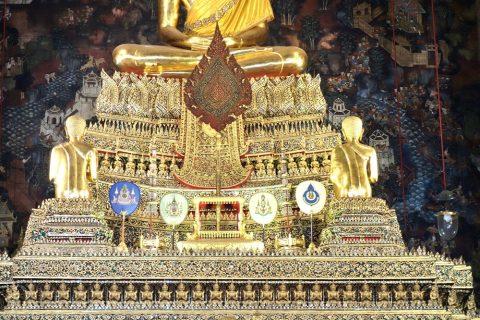 ワットポー本堂の祭壇