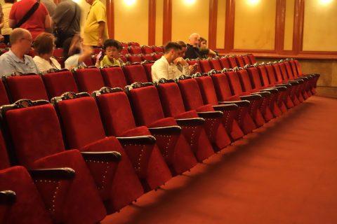 Hanoi-Vietnam-Tuong-Theaterの座席