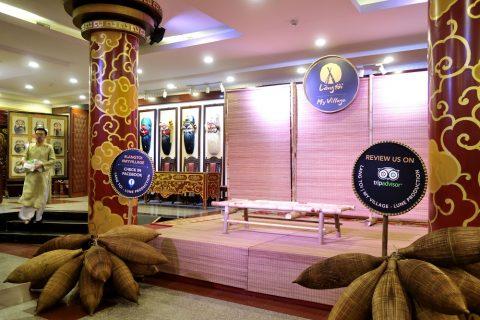 Hanoi-Vietnam-Tuong-Theaterのロビーの特設ステージ