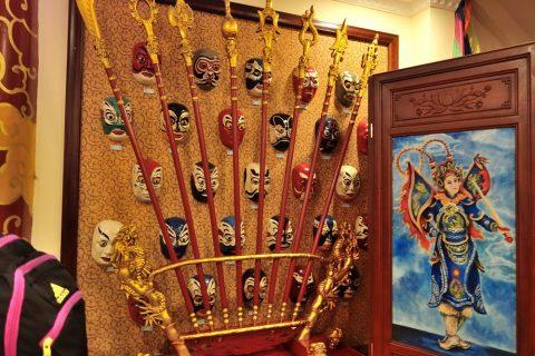 Hanoi-Vietnam-Tuong-Theaterの装飾品
