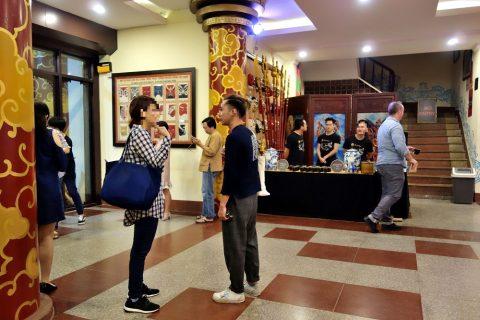 Hanoi-Vietnam-Tuong-Theaterロビー