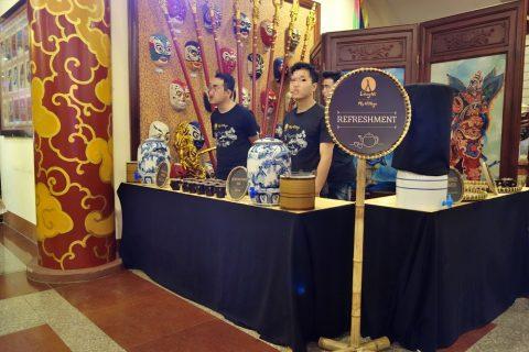 Hanoi-Vietnam-Tuong-Theaterのウェルカムドリンク