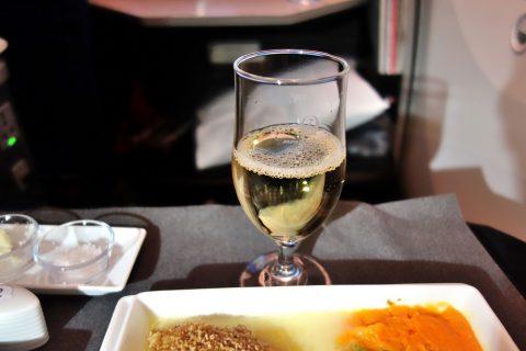 jal-businessclass-白ワイン