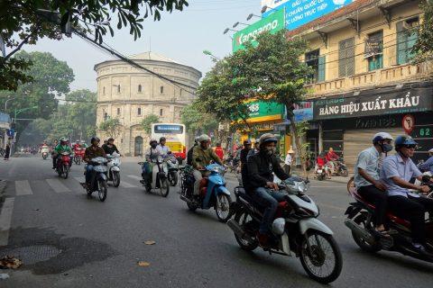 ベトナム・ハノイはバイク大国