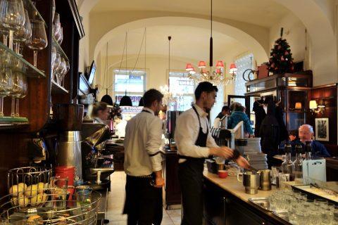 Cafe-Diglasの店内