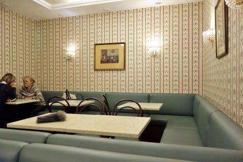 L.Heiner-wienのソファー席