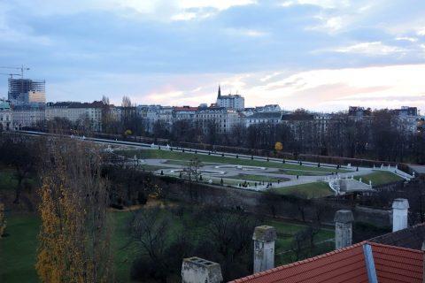 Lindner-Hotel-am-Belvedere窓から見えるベルヴェデーレ宮殿