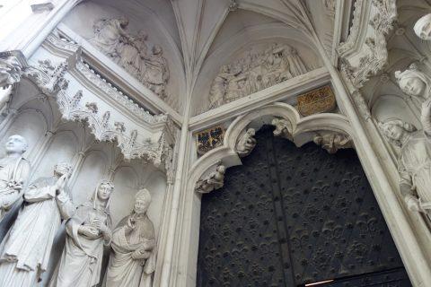 Maria-am-Gestade重厚な扉