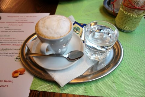 PalatschinkenkuchlのWhite-Coffee-with-Milk-Froth
